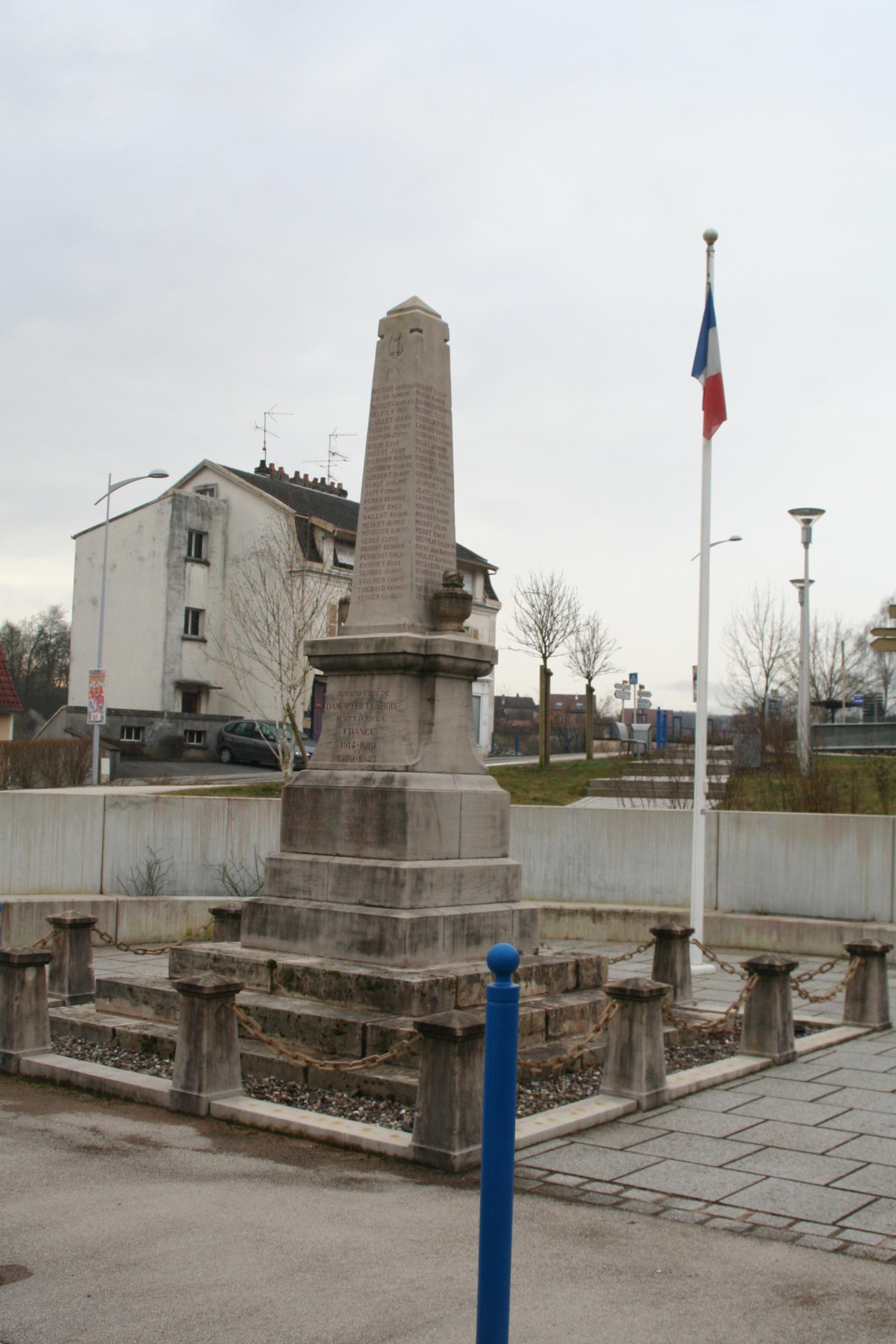 Monumentà Dampierre les Bois Les monuments aux morts # Dampierre Les Bois